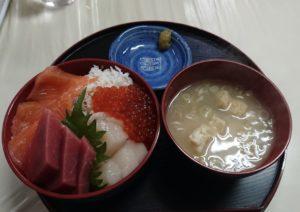 定食めし屋海鮮丼