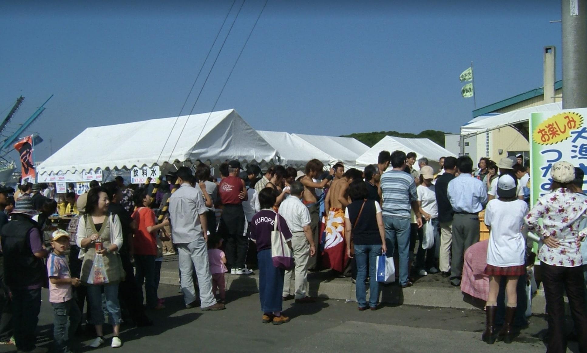 根室さんま祭りの物販コーナー
