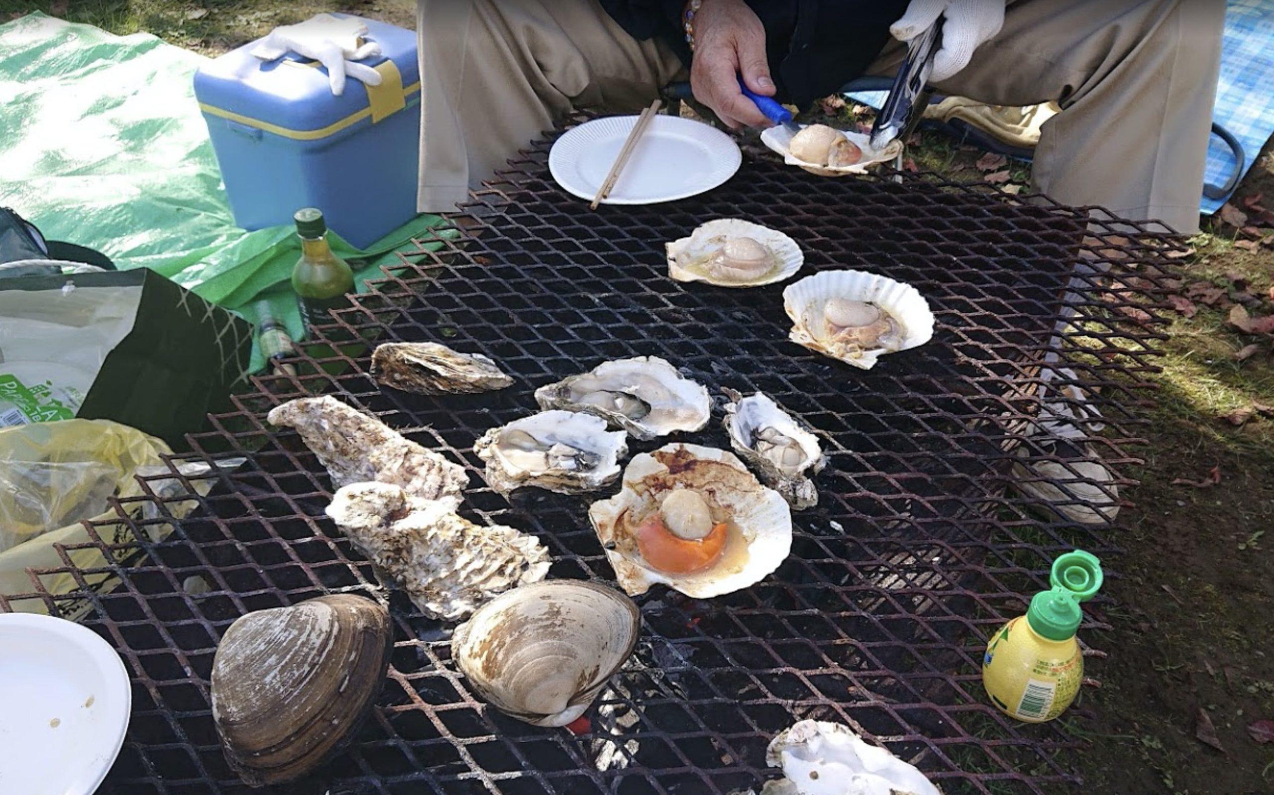 あっけし牡蠣まつりで炭火焼き