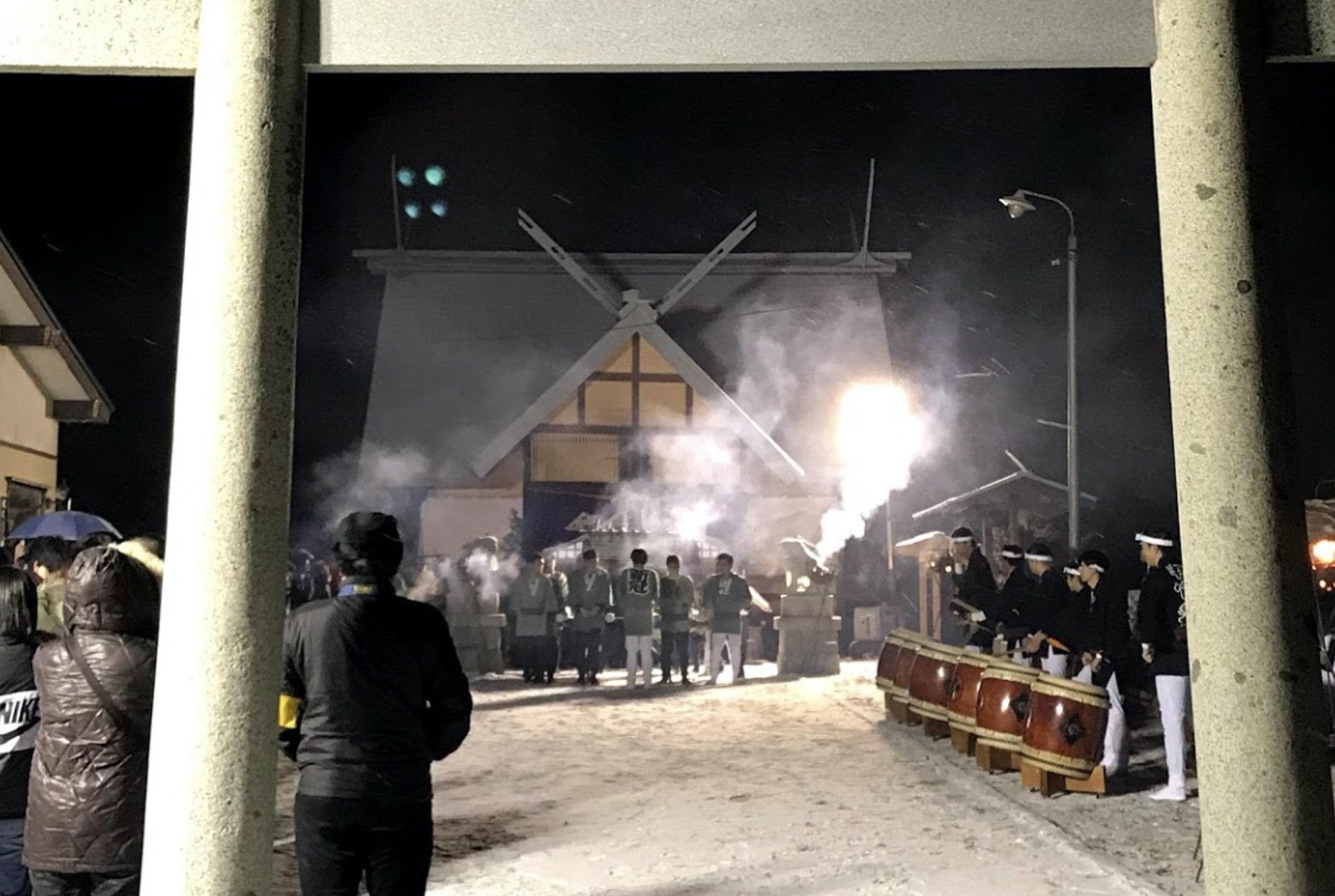 氷川神社新年豊穣祈願隆盛みこし